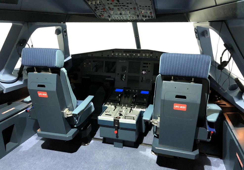 Welcome to the Next Generation of Flight Simulators - VIER